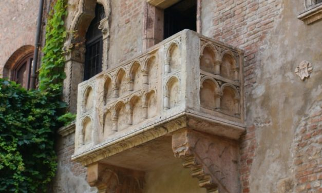 Walking around Verona: the places of history